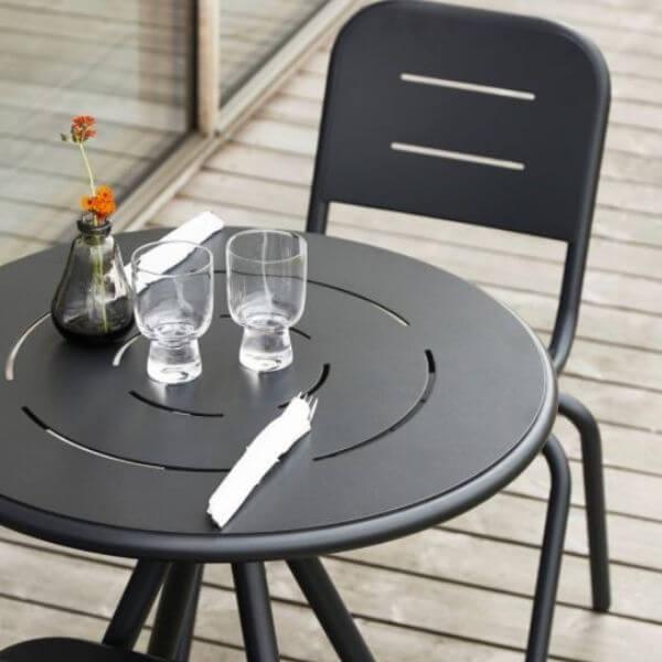 Cafebord med stol