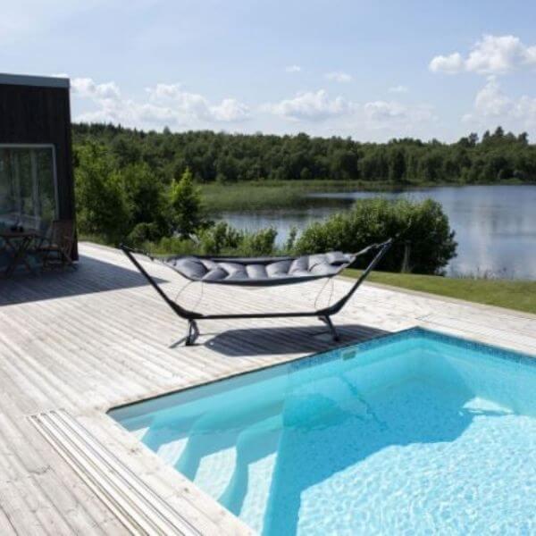 Hængekøje ved pool