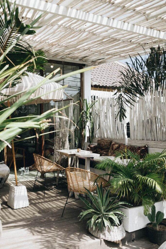 terrasse med planter